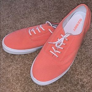 New old navy casual sneakers